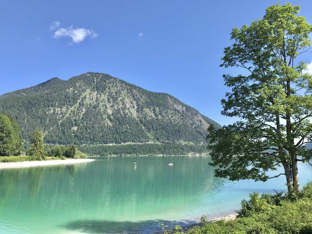 Türkisgrüner Walchensee! So schön ist das Wandern in Oberbayern