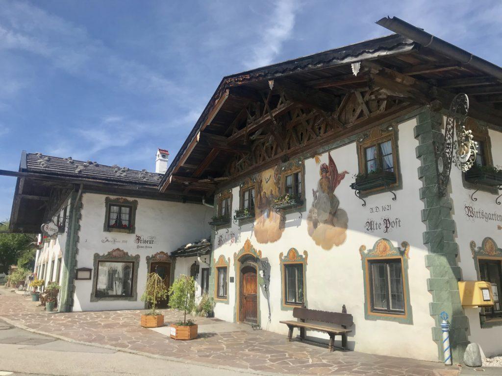 Uriger Gasthof Post, Wallgau - Zimmer, Biergarten, echt bayrisch!
