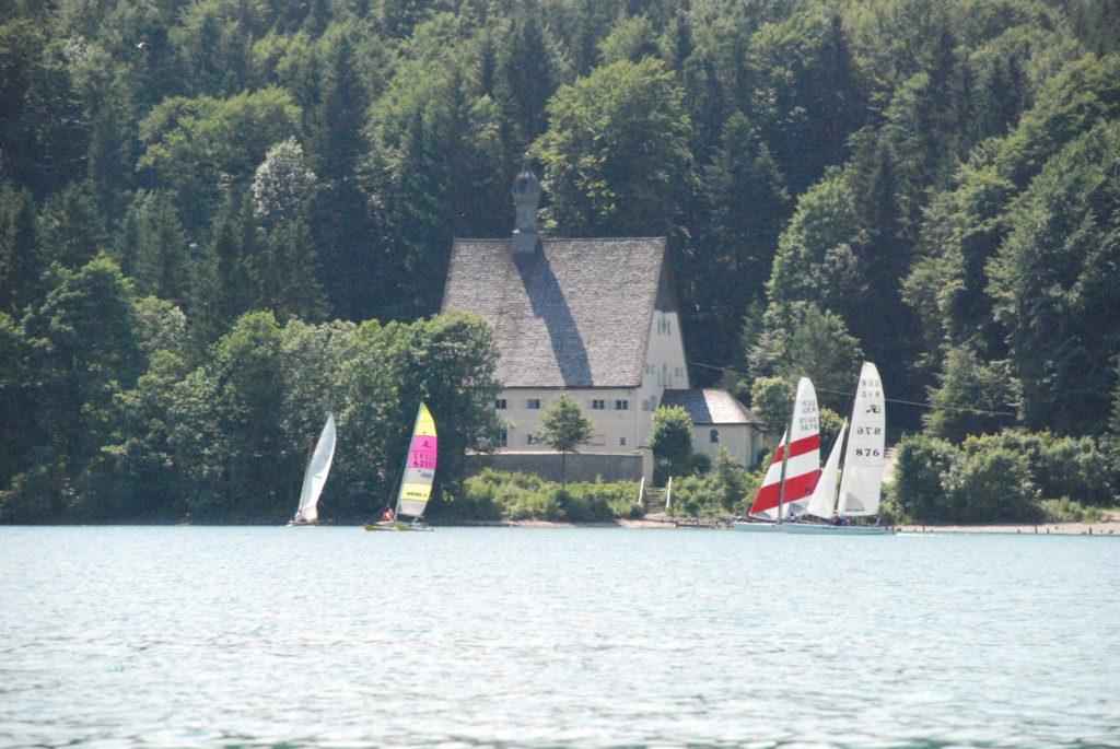 Das Klösterl Walchensee auf Halbinsel Zwergern